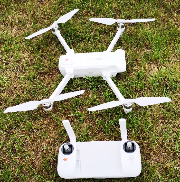 fimi x8 SE drone and controller