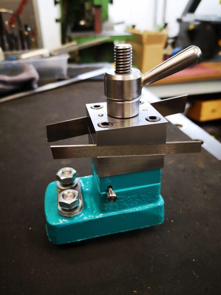 Hemmingway rear tool post parting tool holder